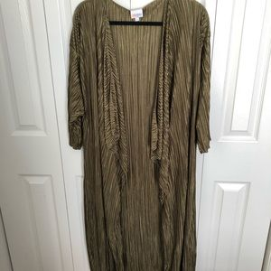 NWOT Lularoe Pleated Waterfall Front Shirley